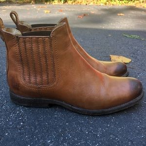 Frye Philip Chelsea boots 7 1/2 Whiskey